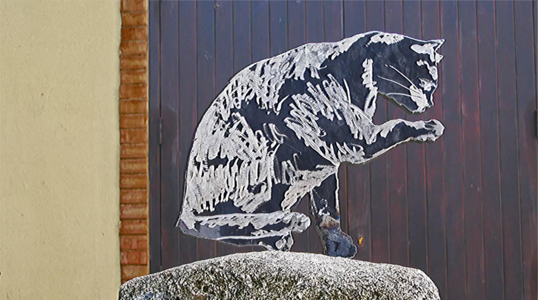 Uno dei gatti realizzati in ferro da Antonio La gamba per lo Strati festival di Pizzo Calabro.